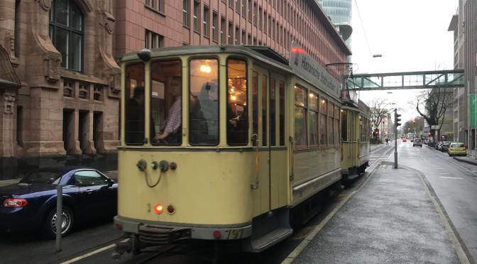 Ende der Straßenbahn in der Düsseldorfer Altstadt